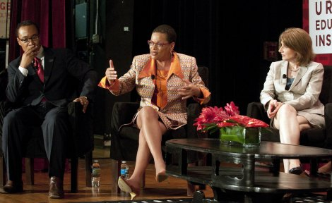 Left to right, Shayne Evans, Director of the University of Chicago Charter School, Woodlawn campus, Julianne Malveaux, President of Bennett College, and Elaine Allensworth, Director of Research for the CCSR, discuss the educational challenges facing Chicago Public Schools students and educators.
