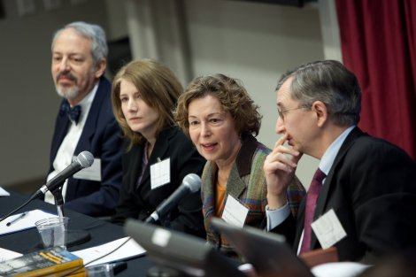 "Stuart Luppescu (from left), Elaine Allensworth, Penny Bender Sebring, and Tony Bryk speak at at the Consortium's ""Organizing Schools for Improvement"" symposium (January 14, 2010)"